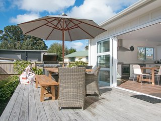 The Waihi Beach House - Waihi Beach Holiday Home