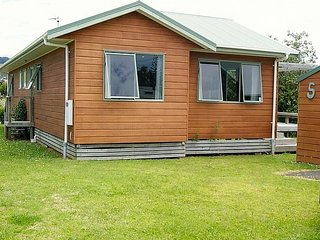 Laid Back on Longboard - Waihi Beach Holiday Home