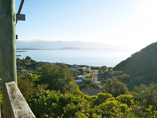 Crows Nest - Golden Bay Holiday Home (Tata)