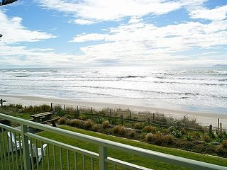 Beach Galore - Waihi Beach Holiday Home