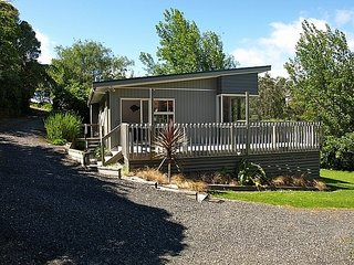 Pukeko Paradise - Waihi Beach Holiday Home