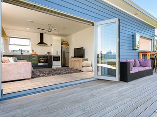 Escape on Edinburgh - Waihi Beach Holiday Home