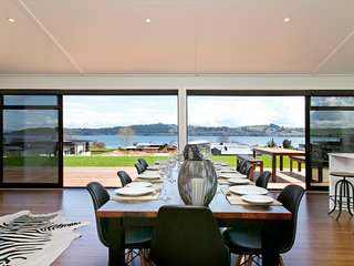 Lakeside Estate - Rainbow Point Holiday Home