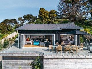 The Ostend Sanctuary - Waiheke Island Holiday Home, Abel Tasman National Park