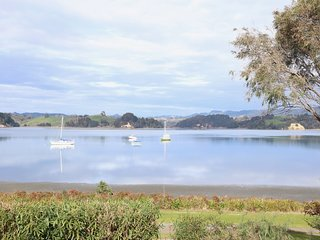 Haven on Harbour - Ohope Beach Holiday Home