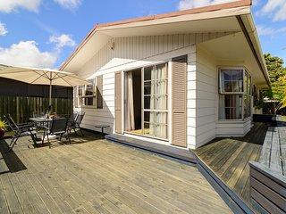 Stay * 1032 - Rotorua Holiday Home