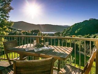 Paradise Escape - Waikawa Holiday Home, Abel Tasman National Park