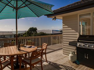 Oceanviews on Kenwood with WiFi- Matarangi Holiday Home