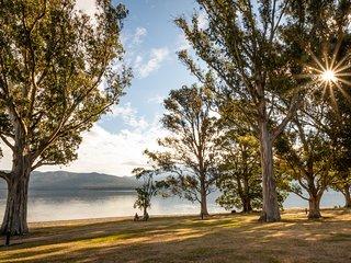 Hop, Skip and Jump to the Lake - Te Anau Holiday House