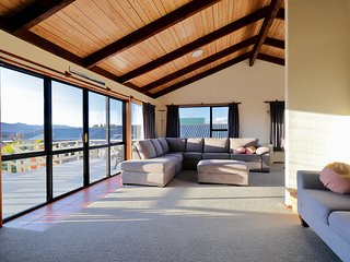 Murchison Mount View - Te Anau Holiday Home