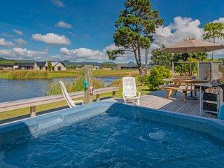 Spa Villa on The Fairway - Matarangi Holiday Home