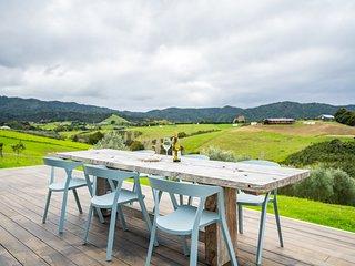 Divinity Olives Estate - Mangawhai Holiday Home