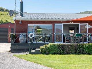 Duvauchelle Bayside - Akaroa Holiday Home