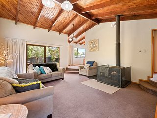 Woodland Grove - Lake Taupo Holiday Home
