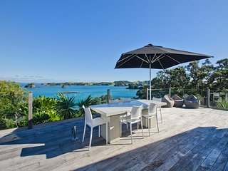Coastal Treasure - Rawhiti Holiday Home