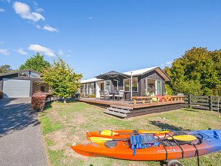 Mahuta Maison - Lake Taupo Holiday Home