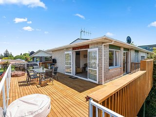 Central Riverside Retreat - Taupo Holiday Home