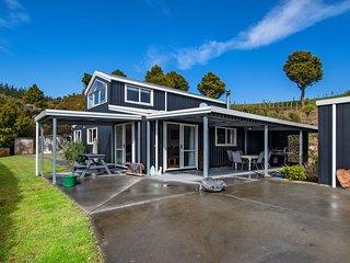 Totara Ridge - Ruakaka Holiday Home