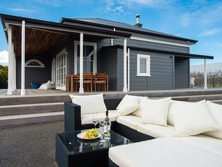Pukahu Post - Havelock North Holiday House