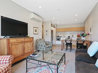 New Central City Apartment - Christchurch Holiday Home