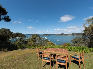 Mermaid's Landing - Opito Bay Holiday Home, Abel Tasman National Park