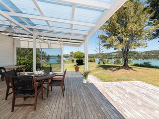 Taniwha Landing - Russell Holiday Home