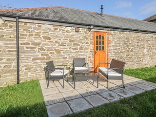 SKIBER GOTH, pet-friendly, rural views, good touring base, ground floor cottage