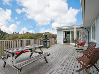 Citrus View - Waihi Beach Holiday Home