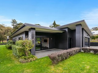 River Retreat - Taupo Holiday Home