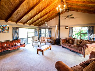 Riverbed Lodge - Lake Taupo Home