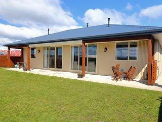 The Views - Te Anau Holiday Home
