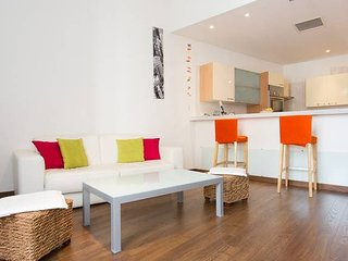 Rue d'Antibes: modern apartment !