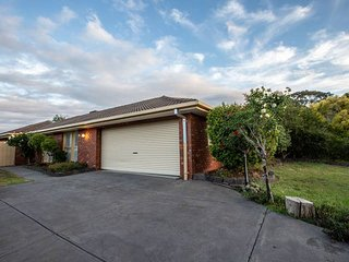Quiet & Peaceful 3bed2bath HOME *Keilor Downs