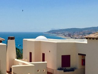 3 bed Penthouse, Great sea views, Golf paradise.