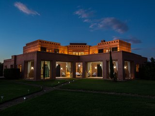 Villa Magnifique A Marrakech Avec Piscine Jacuzzi Et Hammam