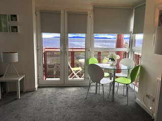27 - Ayr Beach Apartment - Coorie Doon Ayrshire