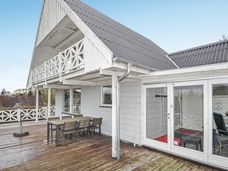 Awesome home in Glesborg w/ Sauna and 3 Bedrooms (E5421)