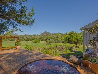 Tranquil Calistoga Retreat