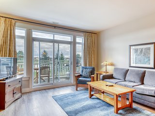 Dog-friendly condo w/shared pool and hot tub, and balcony overlooking the pond