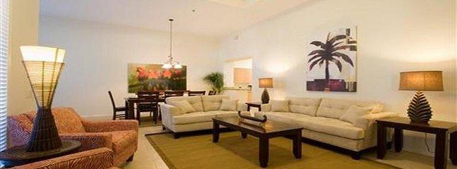 Indoors,Living Room,Room,Lobby,Furniture