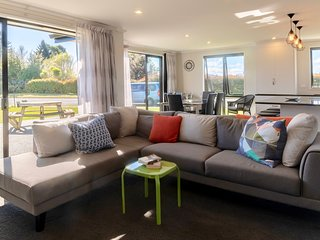 Fiordland Getaway - Te Anau Holiday Home