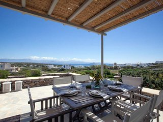 Serene holiday villa - Views, nr Best family Beach