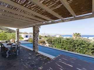 Villa Erato  · Ideal family Villa for 8 - Pool, Sea Views
