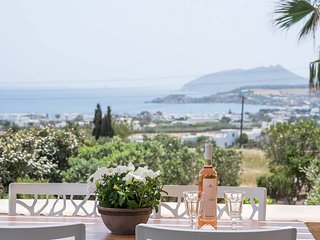 Errieta House . Eclectic island villa - gorgeous sea views, garden