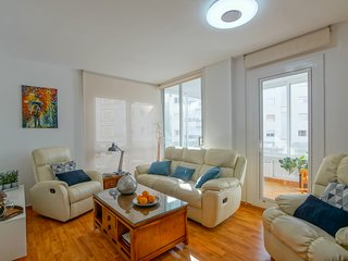 TOP Apartment in Lloret, 2 walking minutes to the beach, Pool