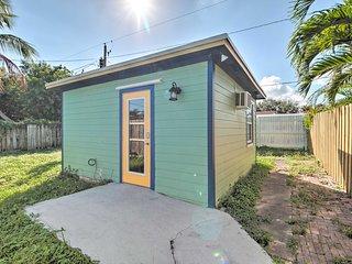 NEW! Delray Cottage Studio, 1.8 Miles to Beach!