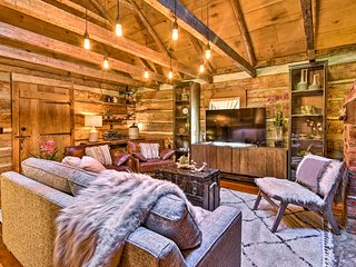 Charming Cabin on 2+ Acres - 10 Mi to Asheville!
