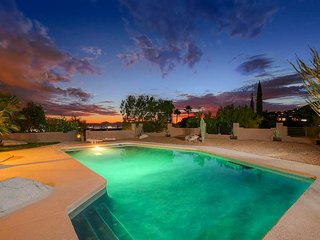 Tucson Home w/ Pool+Patio+Views, 12 Mi to Downtown