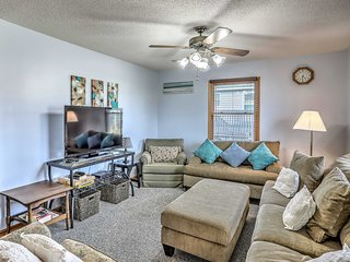 Pet-Friendly Home - A Block to Oak Island Beach!