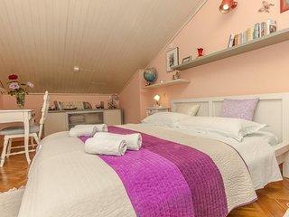 Two bedroom apartment Sibenik (A-14387-a)